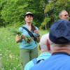 Christina Romer vom LEV Landkreis Rottweil stellt die Pflanzenwelt vor. Foto: LEV MS